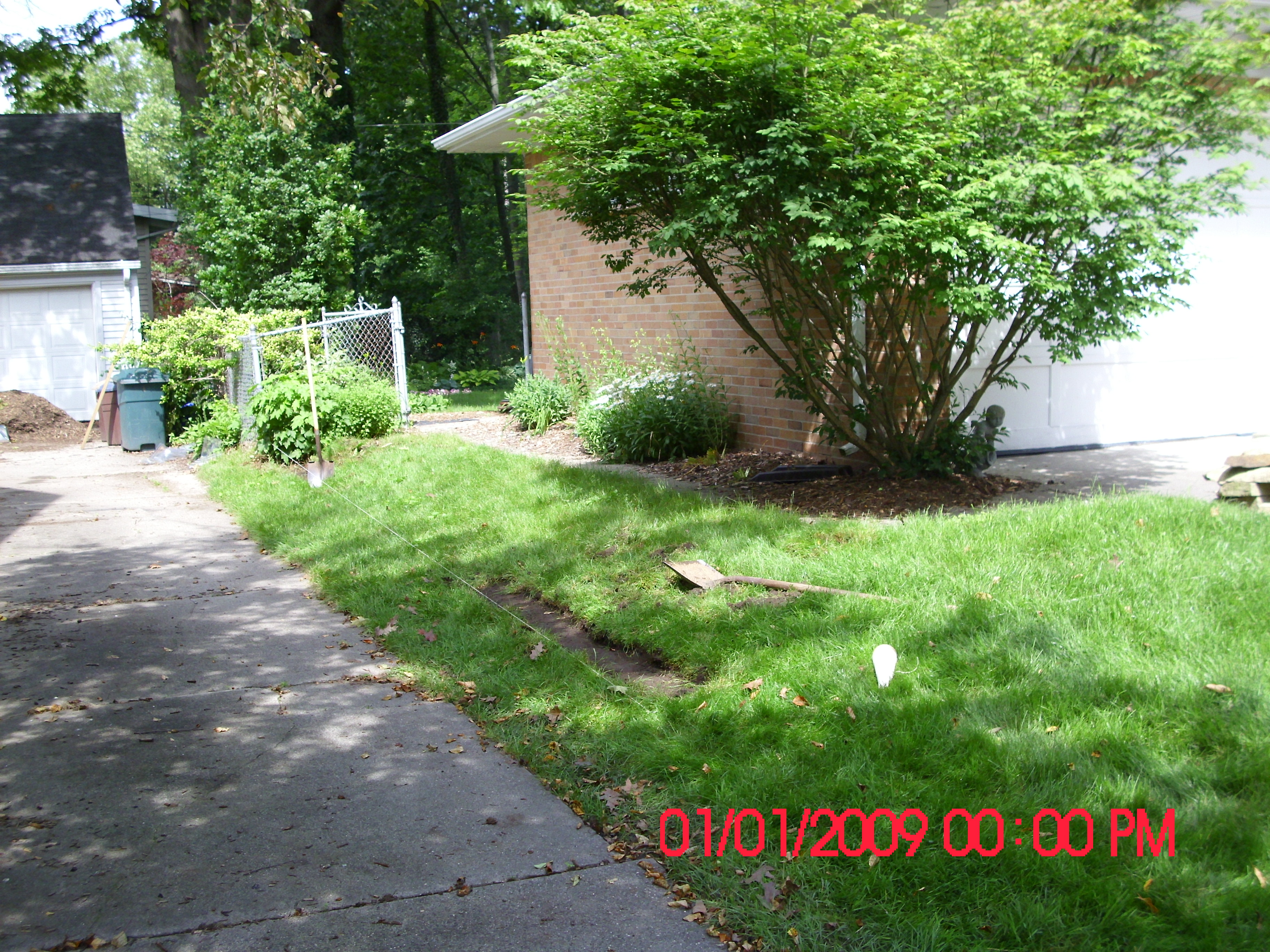 Jts landscaping lawn service for Garden lawn care service